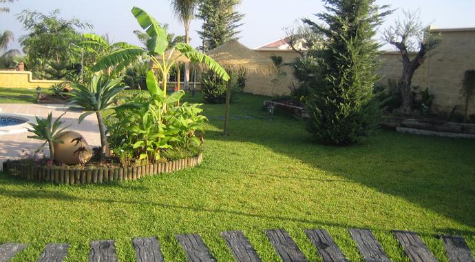 Jardines tu vida en verde for Como decorar parques y jardines